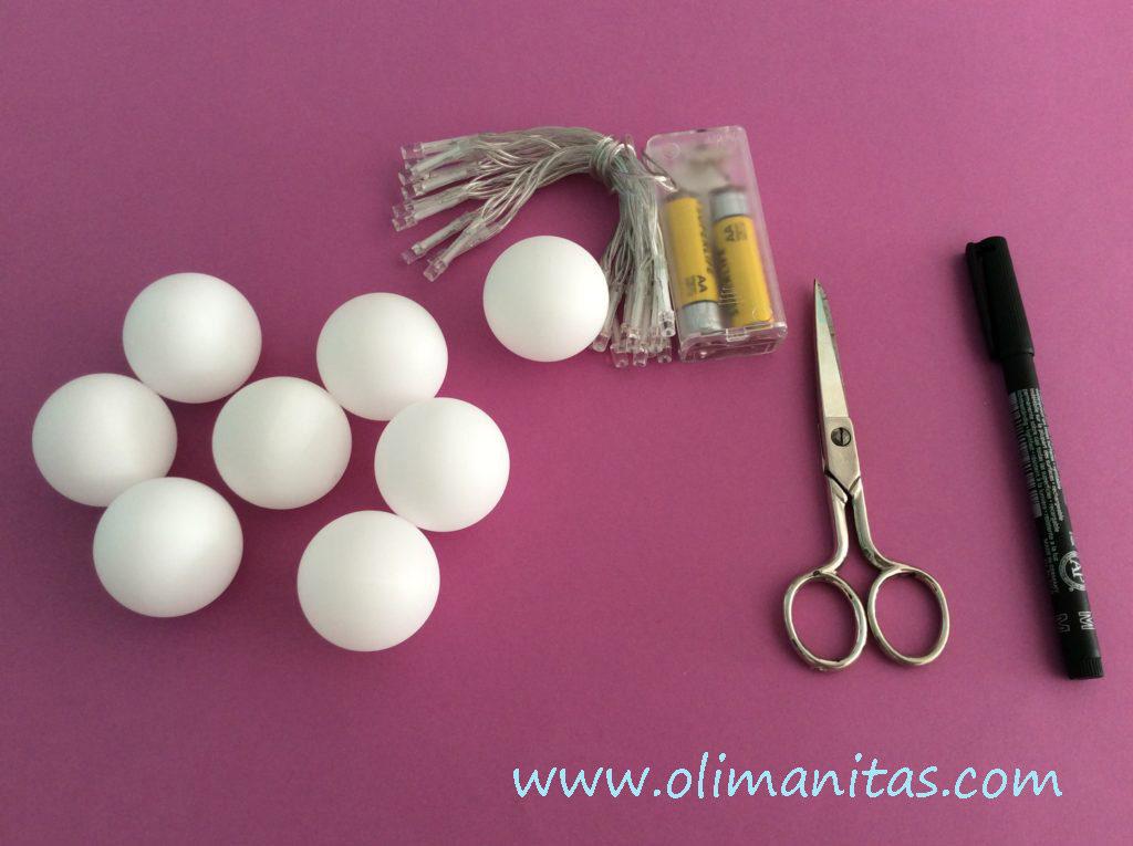 Materiales necesarios para hacer una guirnalda de Halloween luminosa