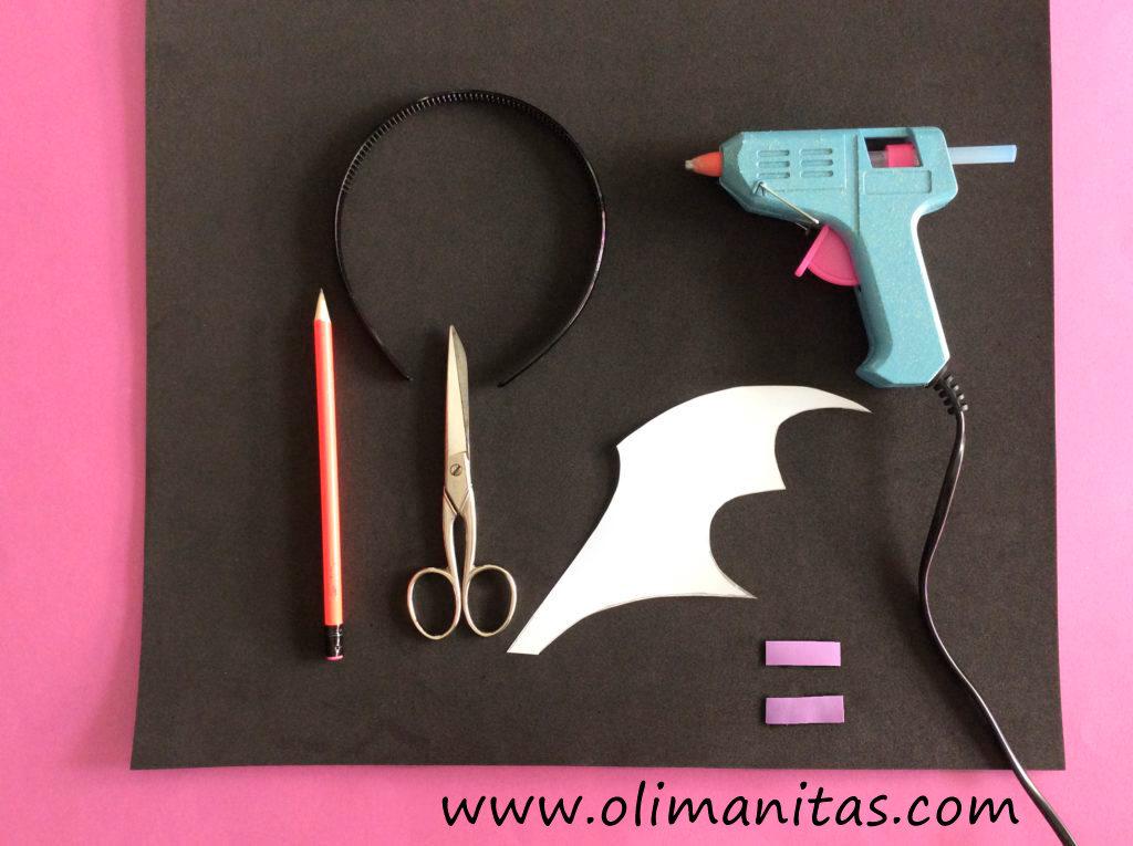 Materiales necesarios para hacer la diadema con alas de murciélago para el disfraz de Vampirina casero