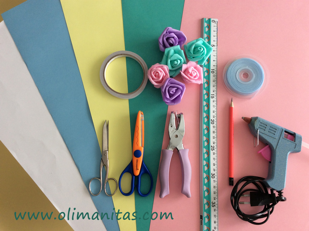 Materiales necesarios para hacer un banderín de unicornio