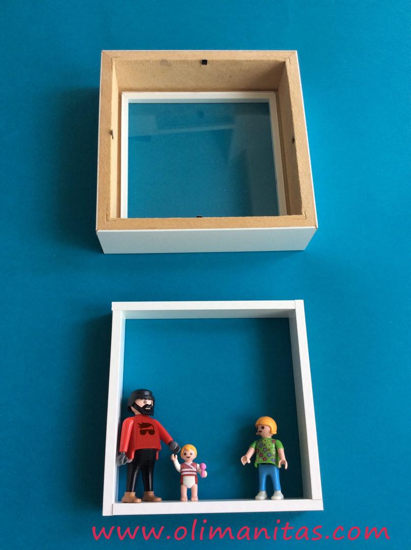 Elegimos un tipo de pegamento y pegamos los Playmobil en la posición que mas nos guste