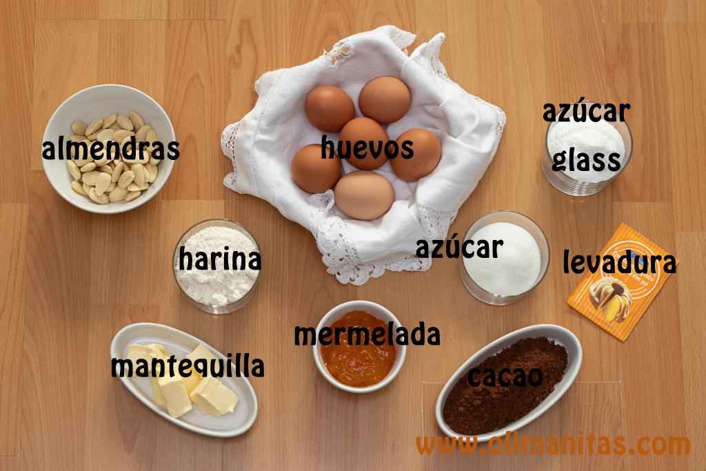 Ingredientes necesarios para hacer el bizcocho de la tarta Sacher.