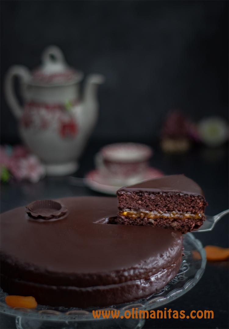 Así quedaría nuestra exquisita tarta sacher.